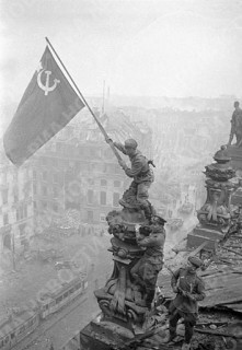 Diverses photos de la WWII - Page 37 65810