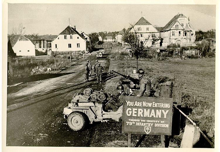 Diverses photos de la WWII - Page 37 66611