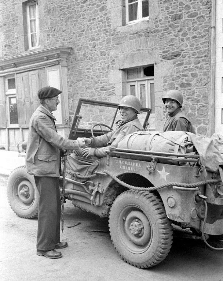 Diverses photos de la WWII - Page 37 67410