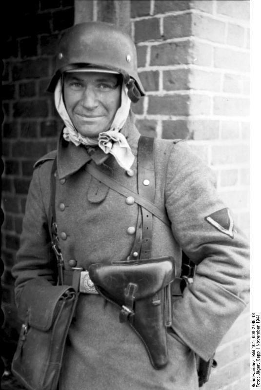 Diverses photos de la WWII - Page 40 67416