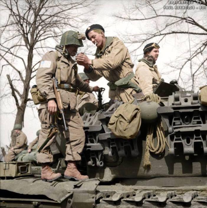 Diverses photos de la WWII - Page 37 67610