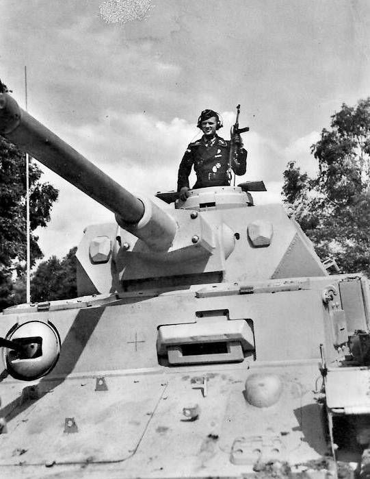 Diverses photos de la WWII - Page 29 67922