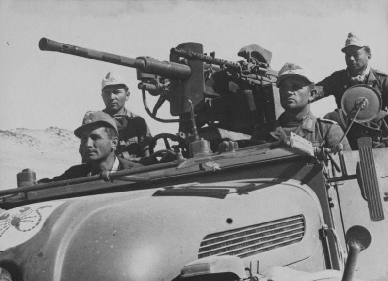 Diverses photos de la WWII - Page 37 68010
