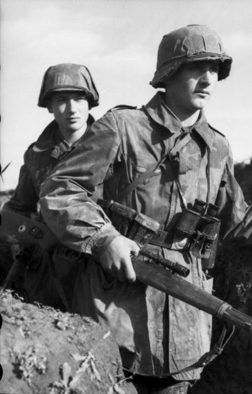 Diverses photos de la WWII (fichier 7) - Page 39 68122