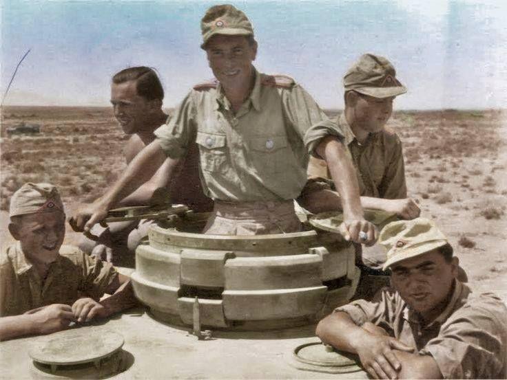 Diverses photos de la WWII - Page 38 68710