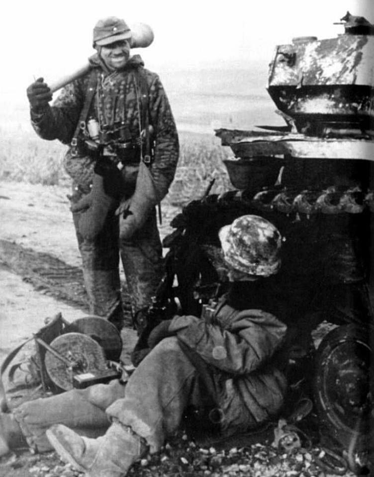 Diverses photos de la WWII - Page 38 68810