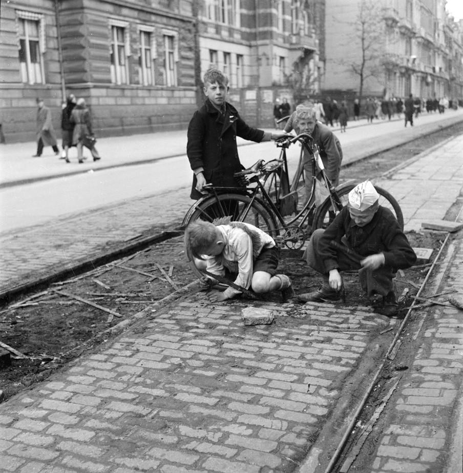 Diverses photos de la WWII - Page 2 6931