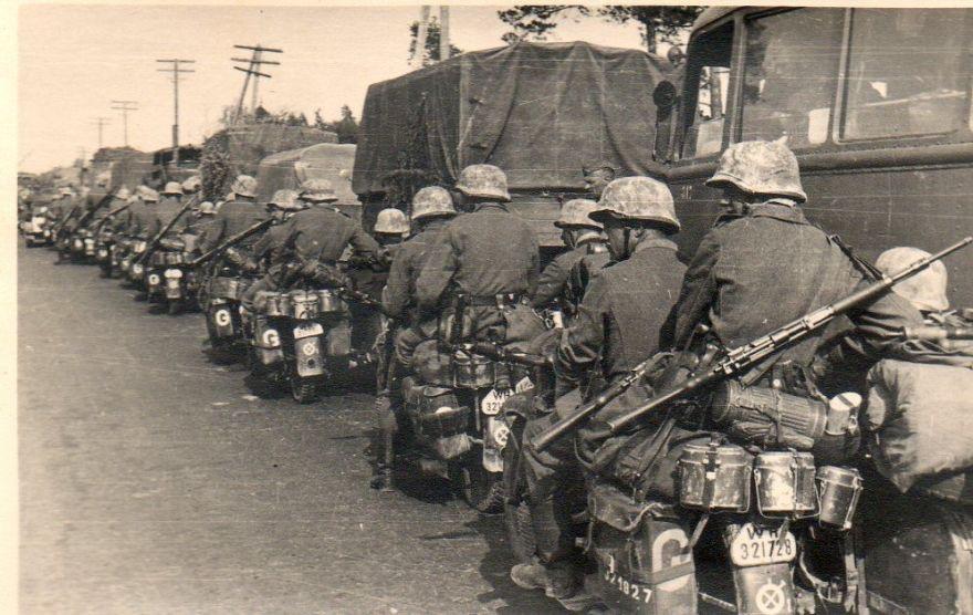 Diverses photos de la WWII (fichier 7) - Page 40 69622