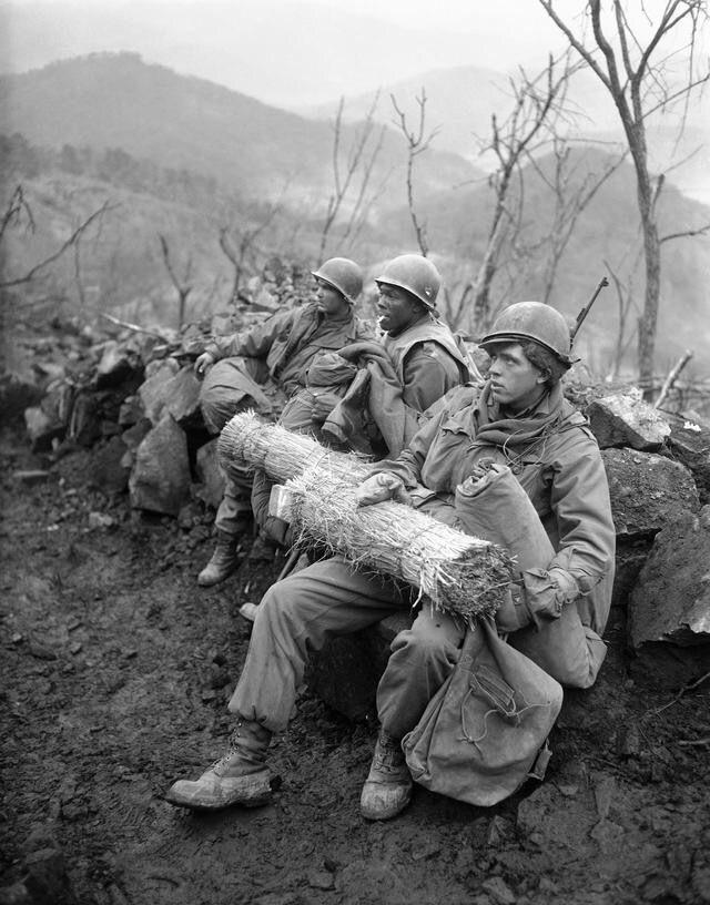 Diverses photos de la WWII (fichier 7) - Page 40 70124