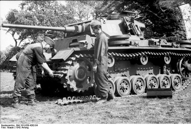 Diverses photos de la WWII - Page 38 70312
