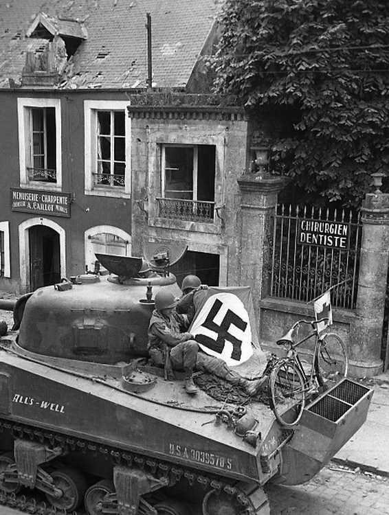 Diverses photos de la WWII - Page 38 70612