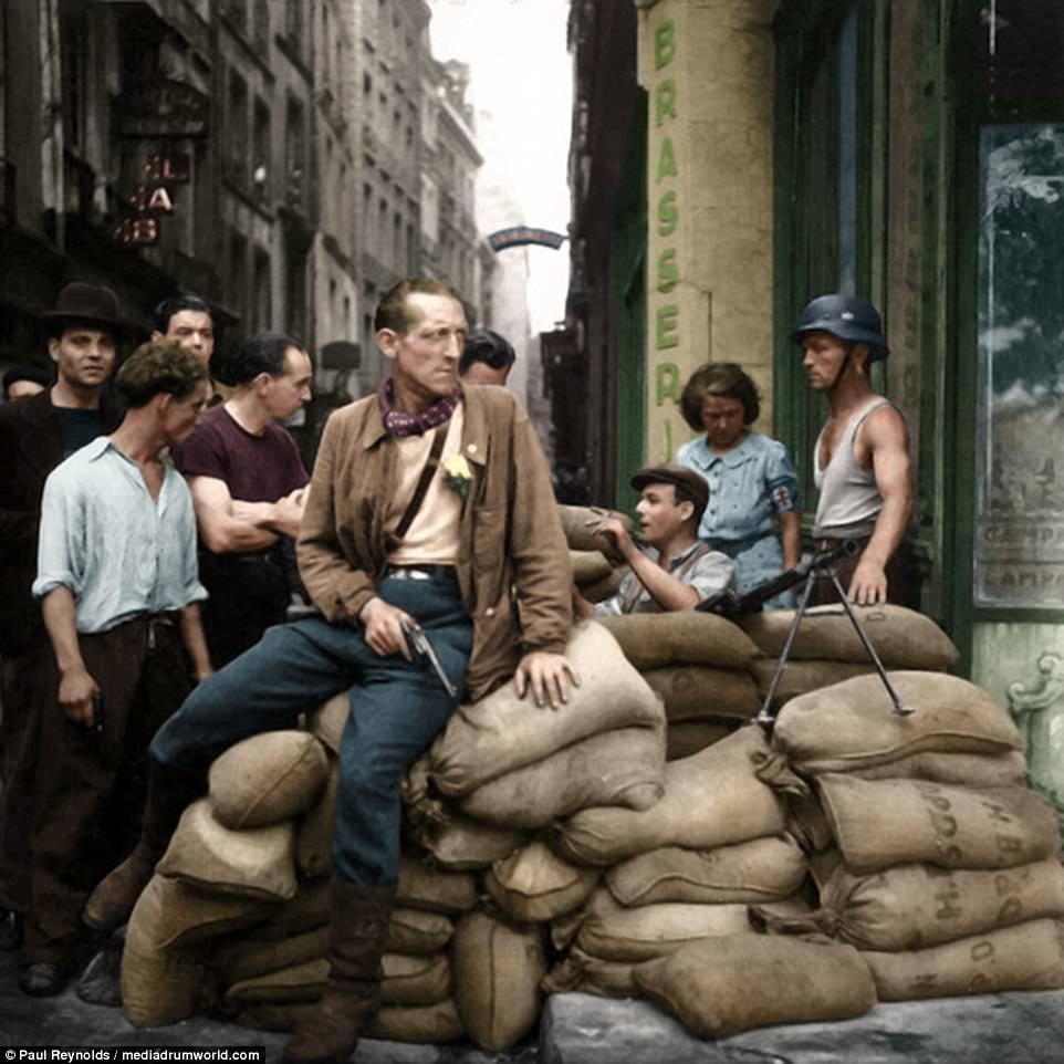 Diverses photos de la WWII - Page 29 70723