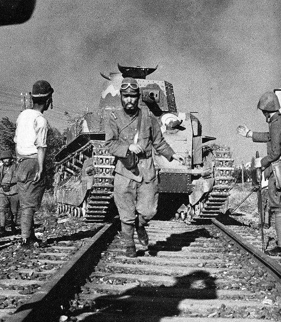 Diverses photos de la WWII - Page 38 70812