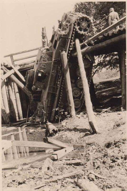 Diverses photos de la WWII - Page 29 71921