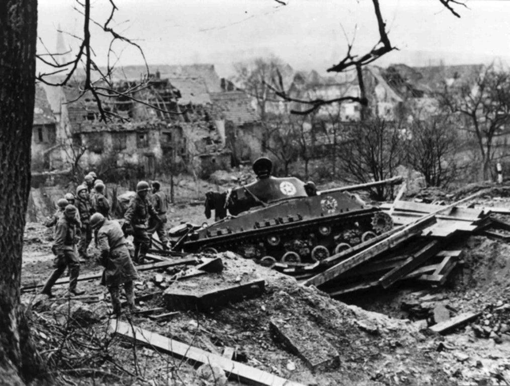 Diverses photos de la WWII - Page 29 72221