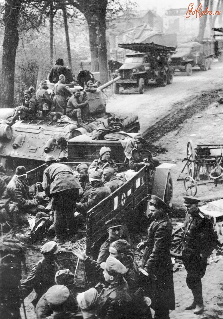 Diverses photos de la WWII - Page 29 72321
