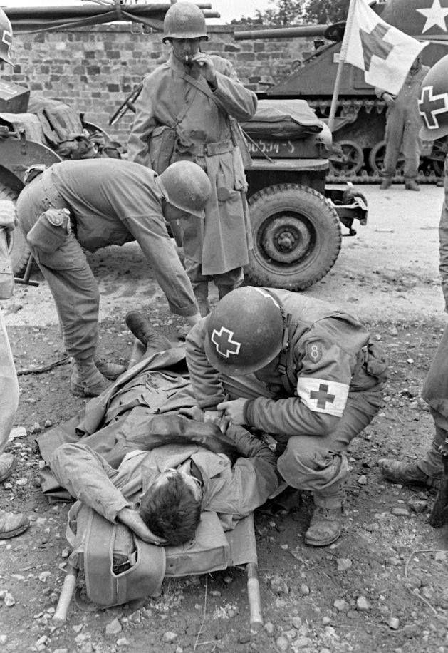 Diverses photos de la WWII - Page 38 72911