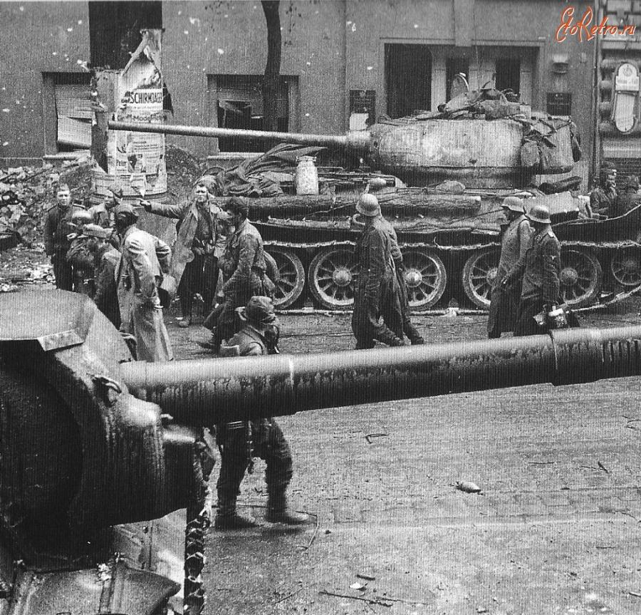 Diverses photos de la WWII - Page 29 72921