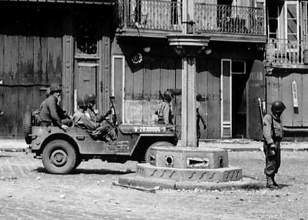 Diverses photos de la WWII - Page 38 73012