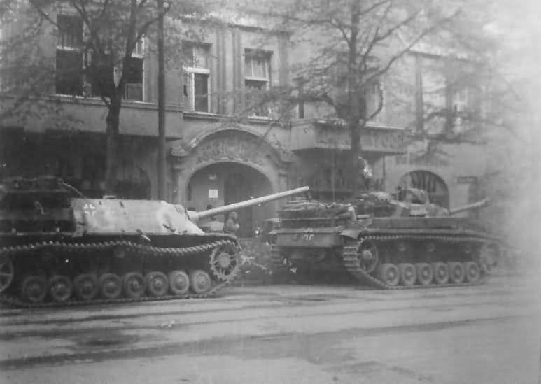 Diverses photos de la WWII - Page 29 73318