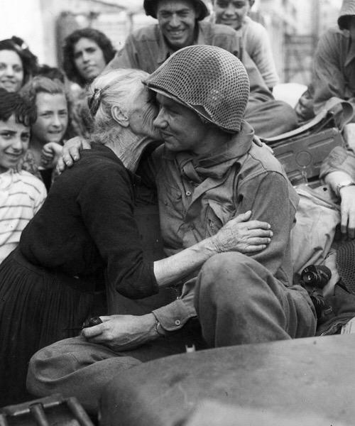 Diverses photos de la WWII - Page 2 7333