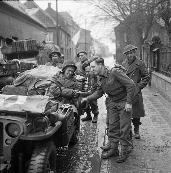 Diverses photos de la WWII - Page 38 73411