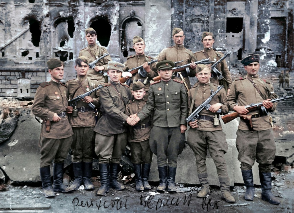 Diverses photos de la WWII - Page 30 73518