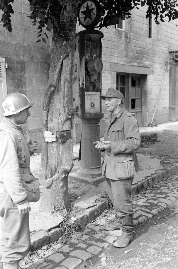 Diverses photos de la WWII - Page 38 73911