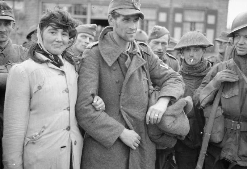 Diverses photos de la WWII - Page 30 73918