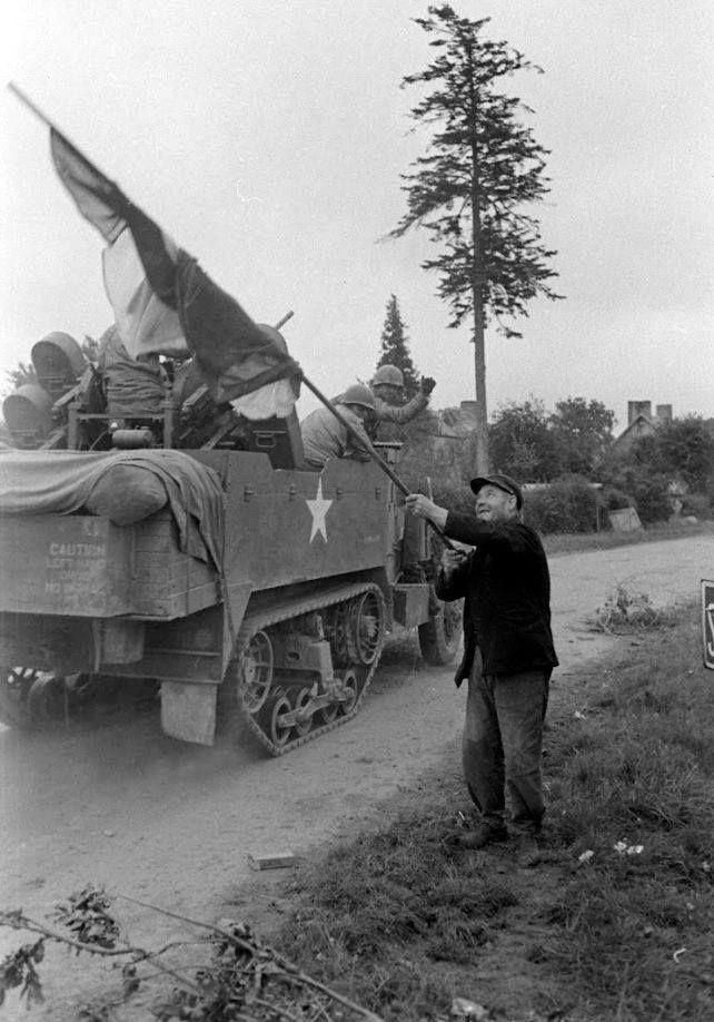 Diverses photos de la WWII - Page 39 74211