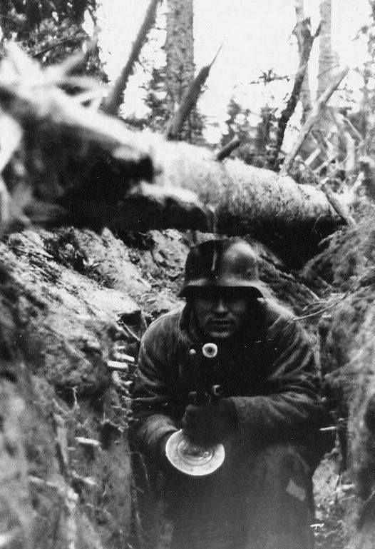 Diverses photos de la WWII - Page 30 74522