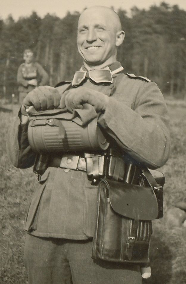 Diverses photos de la WWII - Page 30 74622
