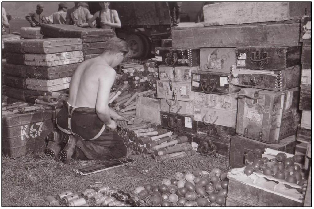Diverses photos de la WWII - Page 39 75012