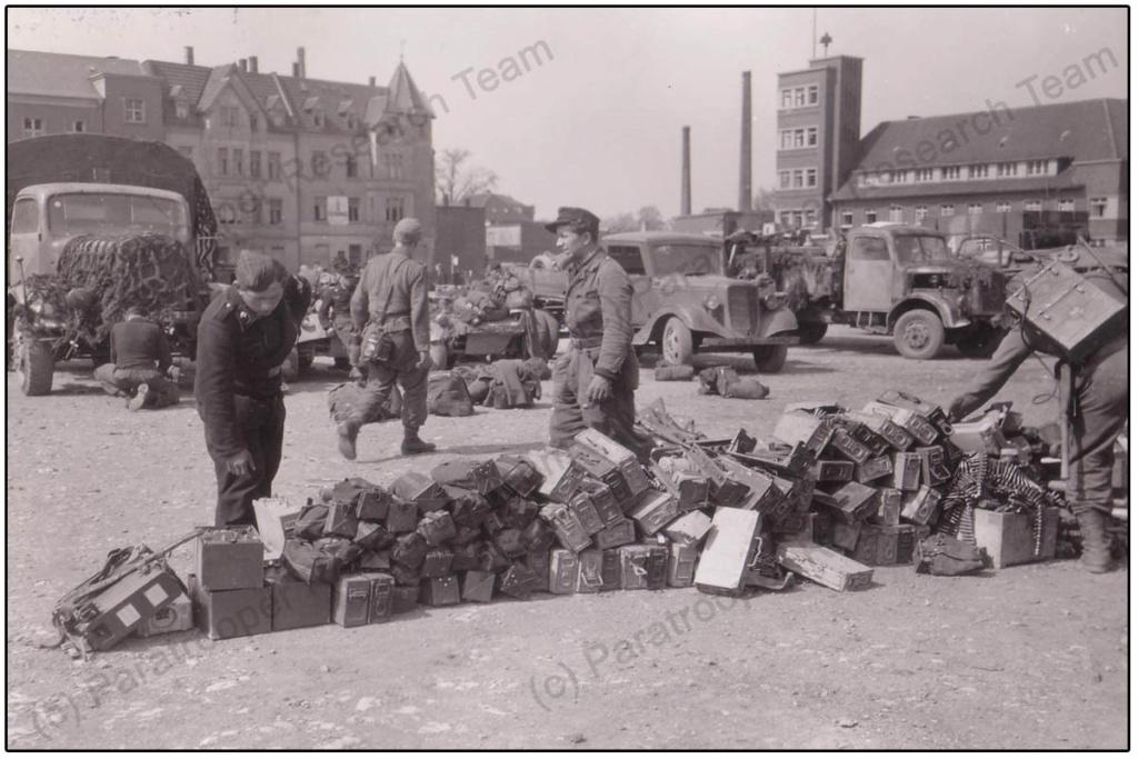 Diverses photos de la WWII - Page 39 75112
