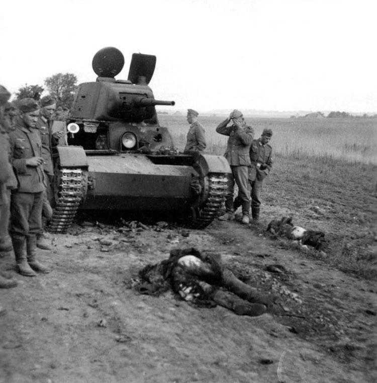 Diverses photos de la WWII - Page 14 75513