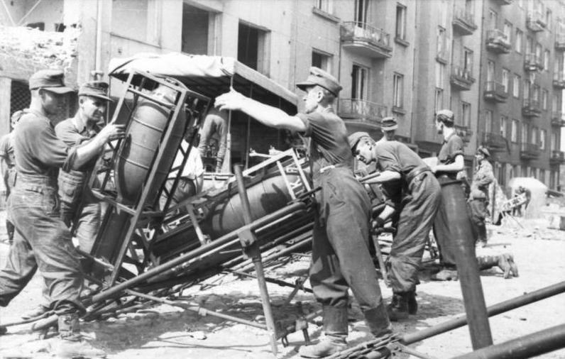 Diverses photos de la WWII - Page 30 75721