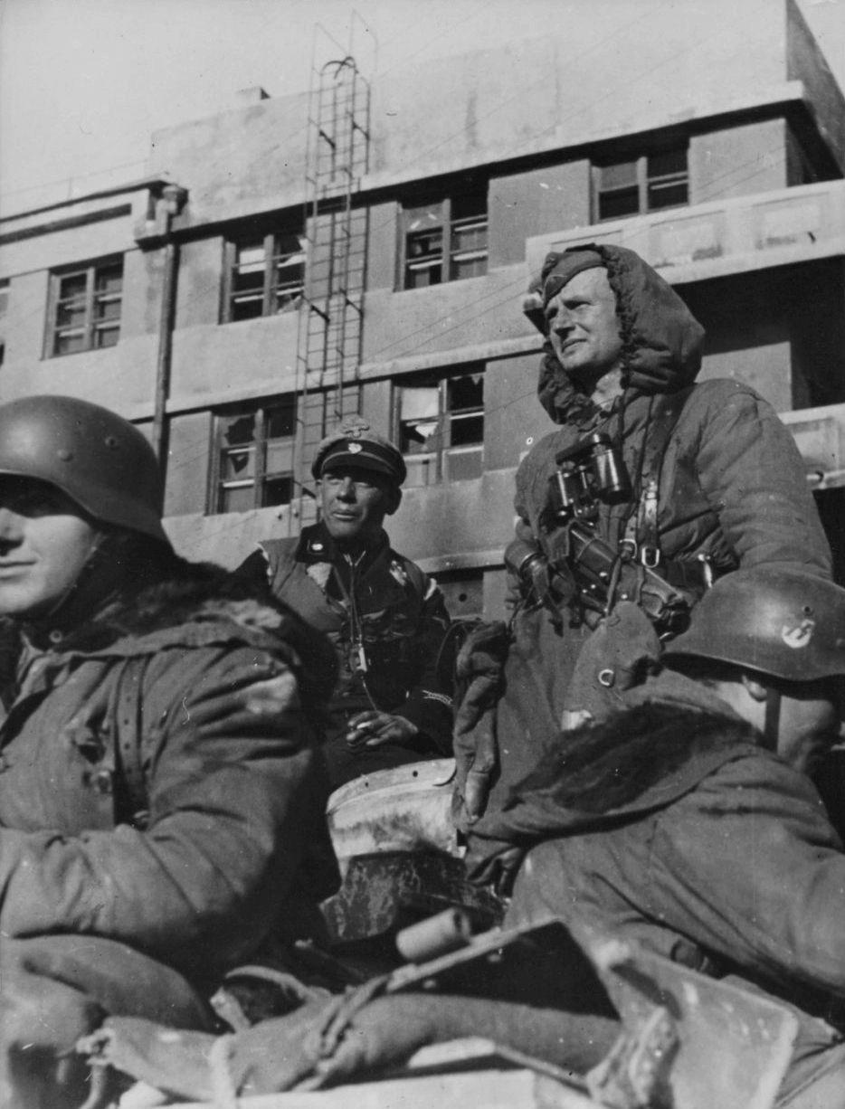 Diverses photos de la WWII - Page 39 75812
