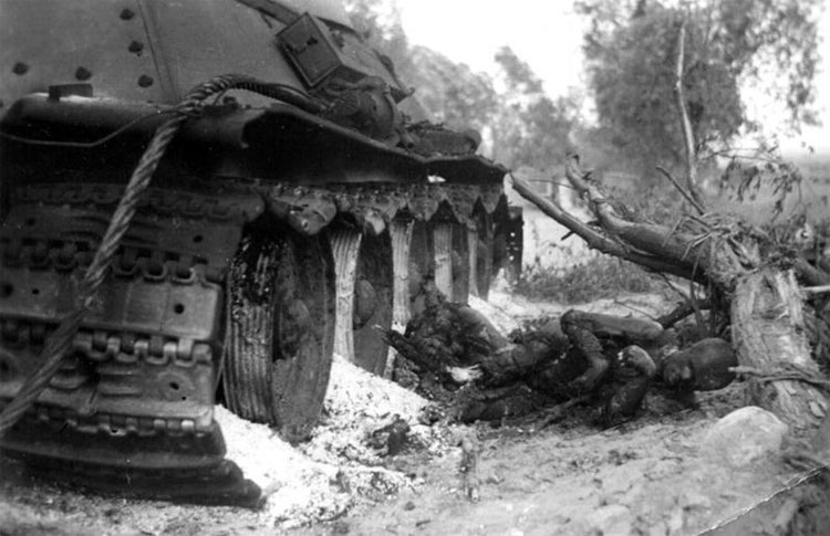 Diverses photos de la WWII - Page 14 75913