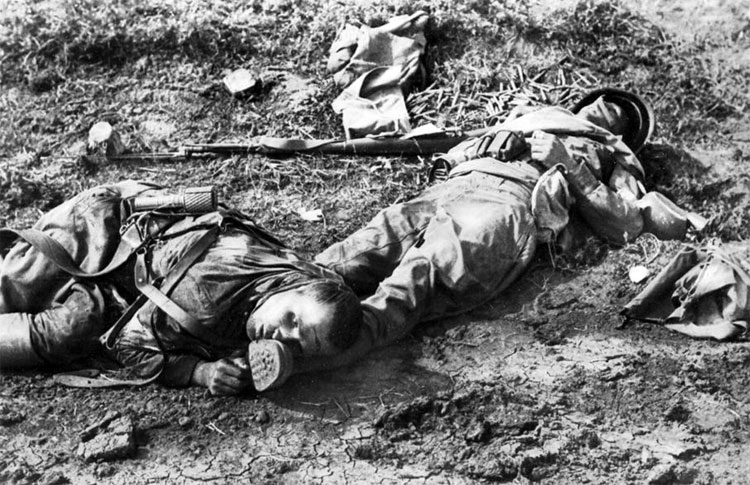 Diverses photos de la WWII - Page 14 76013