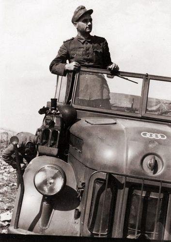 Diverses photos de la WWII - Page 30 76022