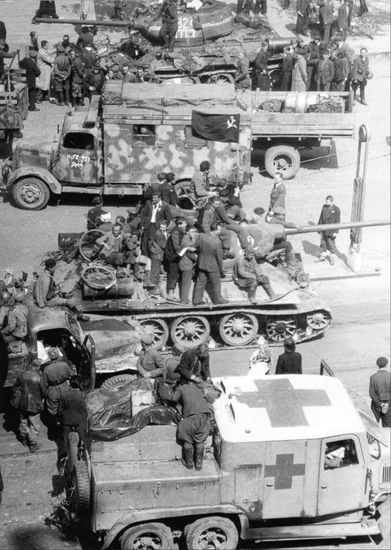 Diverses photos de la WWII - Page 39 763