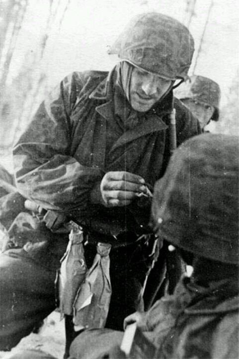 Diverses photos de la WWII - Page 30 76322