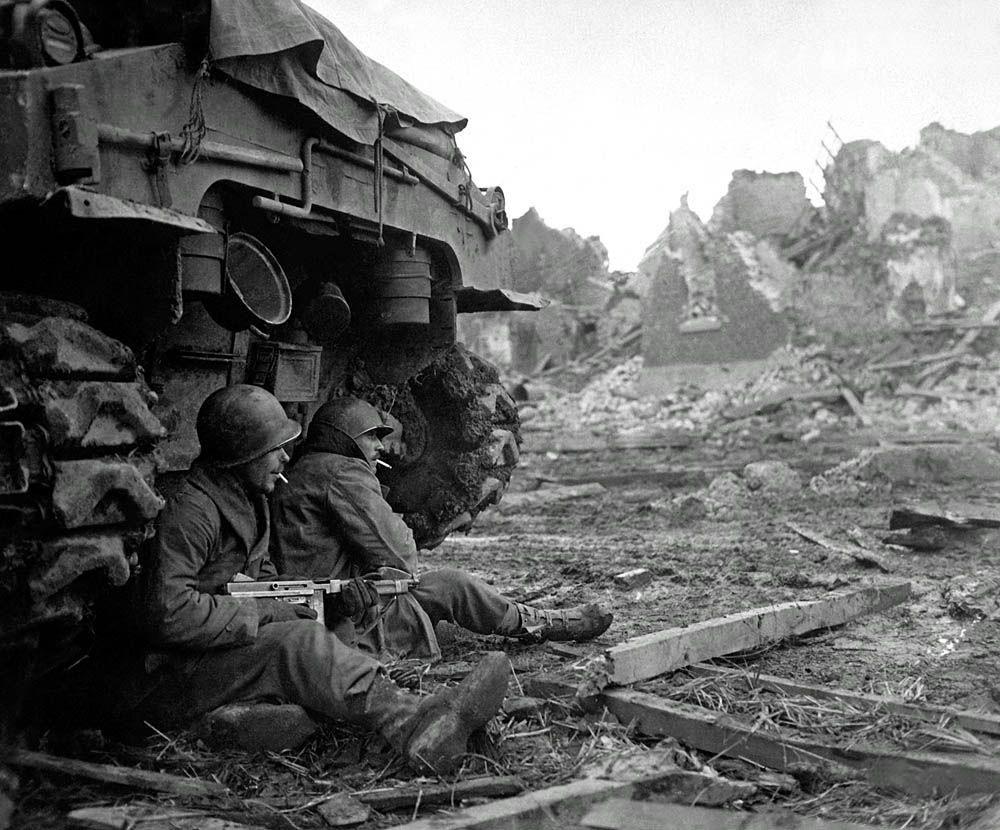 Diverses photos de la WWII - Page 2 767