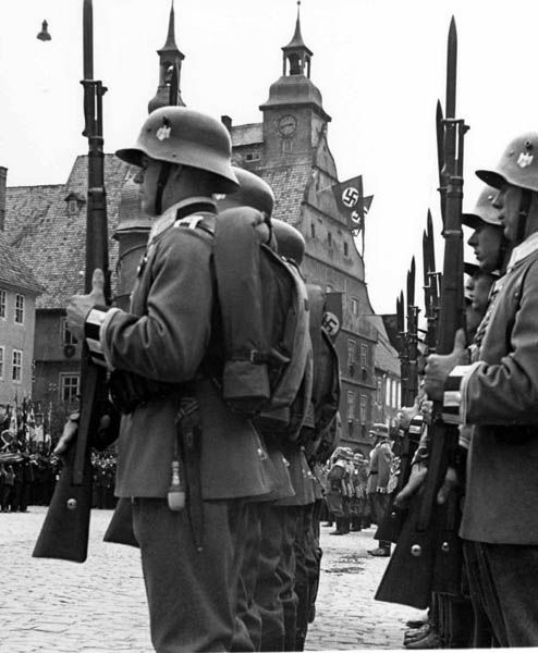 Diverses photos de la WWII - Page 30 76718