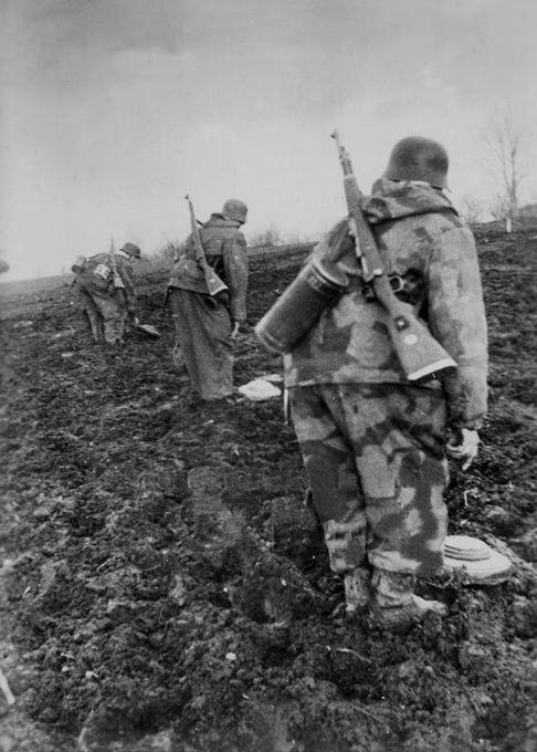Diverses photos de la WWII - Page 30 76920