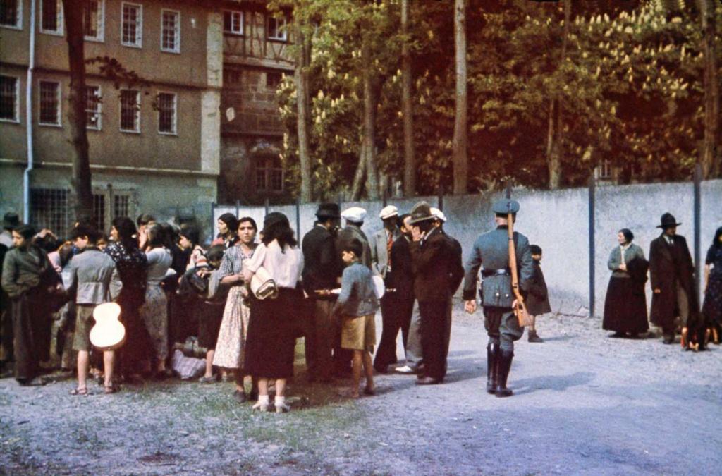 Diverses photos de la WWII - Page 2 77216