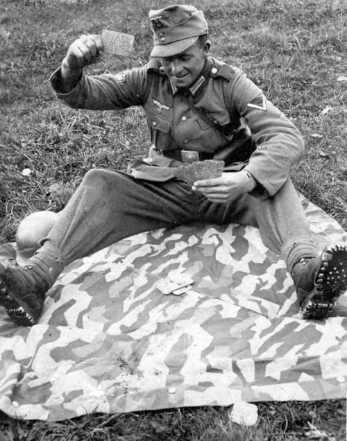 Diverses photos de la WWII - Page 30 77221