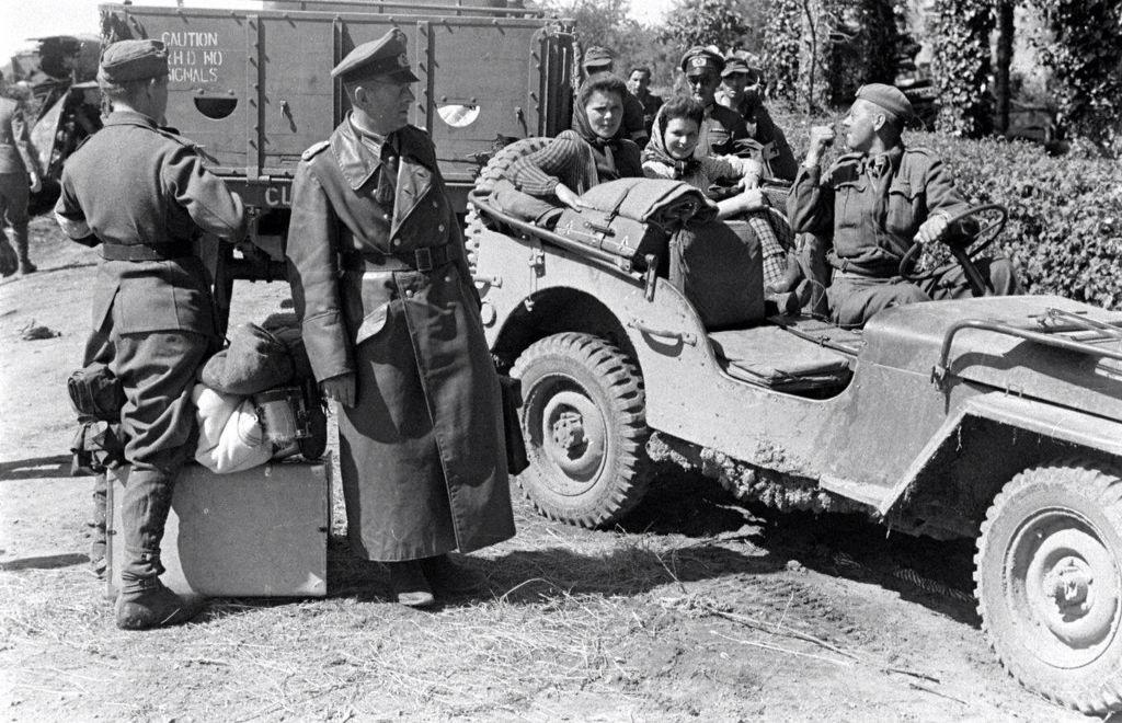 Diverses photos de la WWII - Page 4 7724