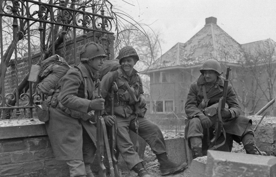 Diverses photos de la WWII - Page 30 77620