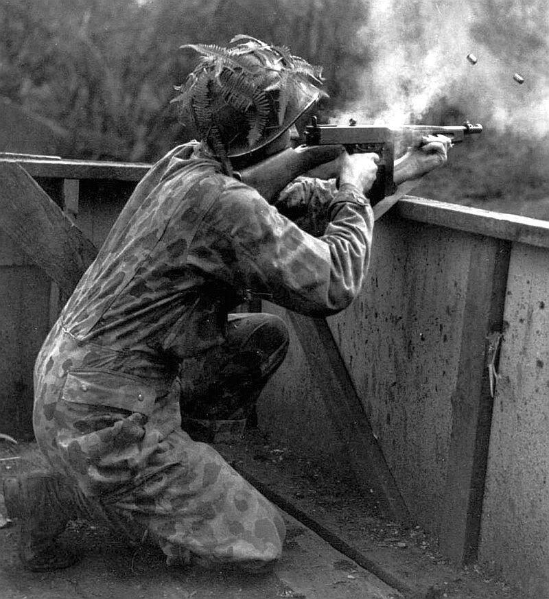 Diverses photos de la WWII - Page 30 77721